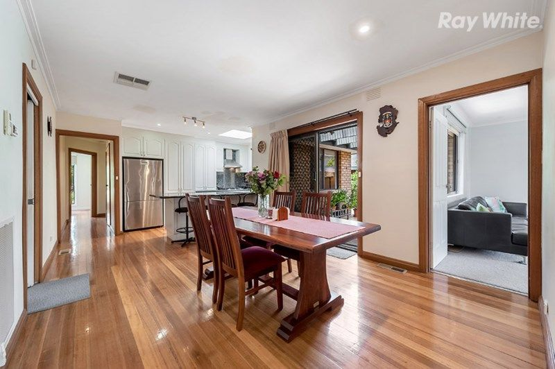 64 Coventry Cescent, Mill Park VIC 3082, Image 2