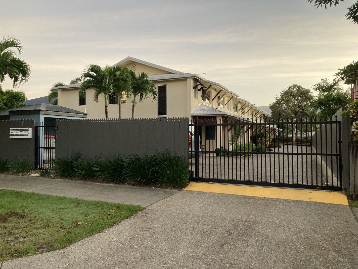 1/8 Oyster Court, Trinity Beach QLD 4879, Image 0