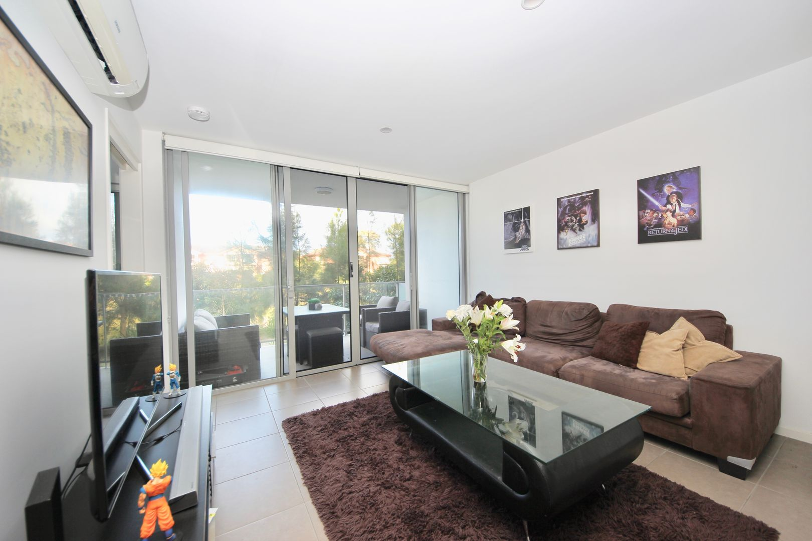 1114/6 Waterford Court, Bundall QLD 4217, Image 2
