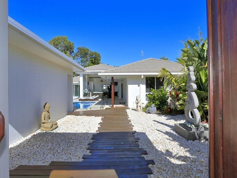 15 Dooley Street, Bargara QLD 4670, Image 1