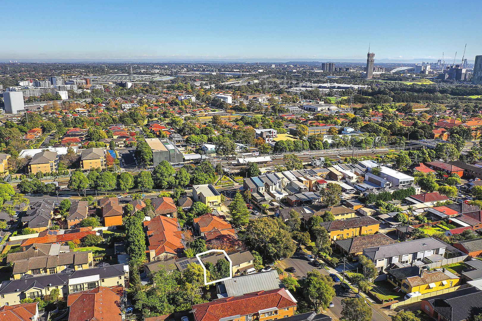 2/156 Wellbank Street, North Strathfield NSW 2137, Image 2
