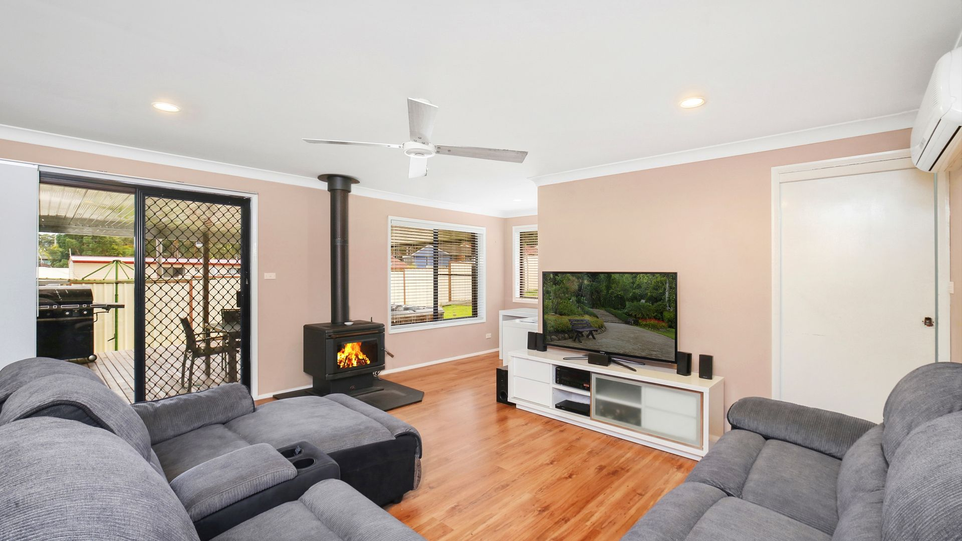 7 Eyre Crescent, San Remo NSW 2262, Image 2