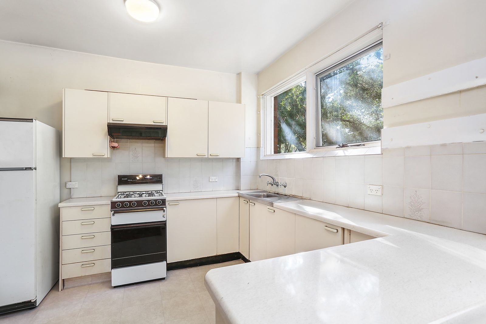 4/2 O'Rourke Crescent, Eastlakes NSW 2018, Image 2
