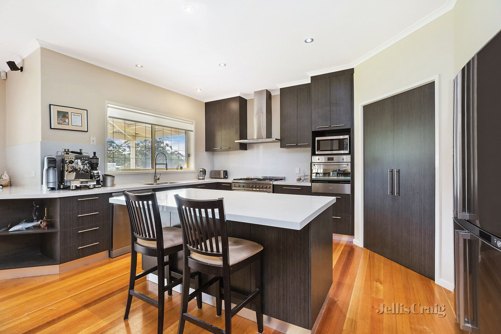 6 Greenwood Grove, Woodend VIC 3442, Image 1