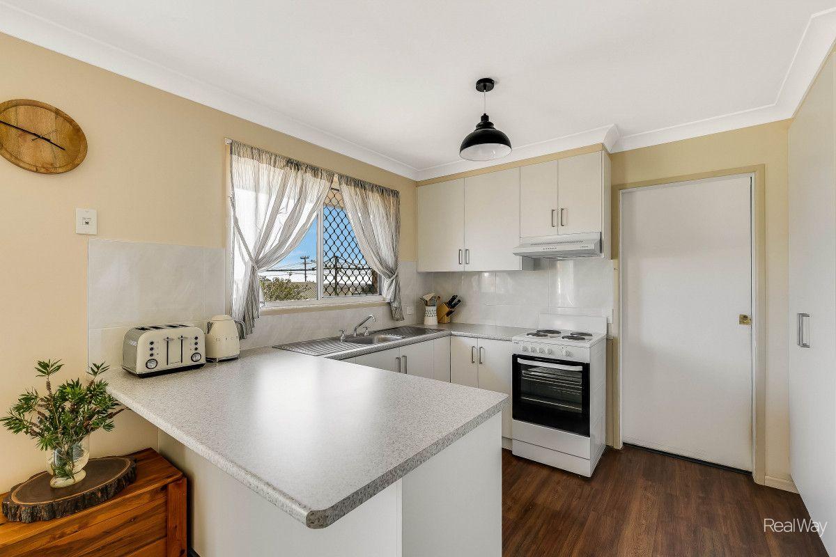 30 Liquidambar Street, Glenvale QLD 4350, Image 1