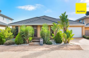 Picture of 19 Sundowner Place, Sanctuary Lakes VIC 3030