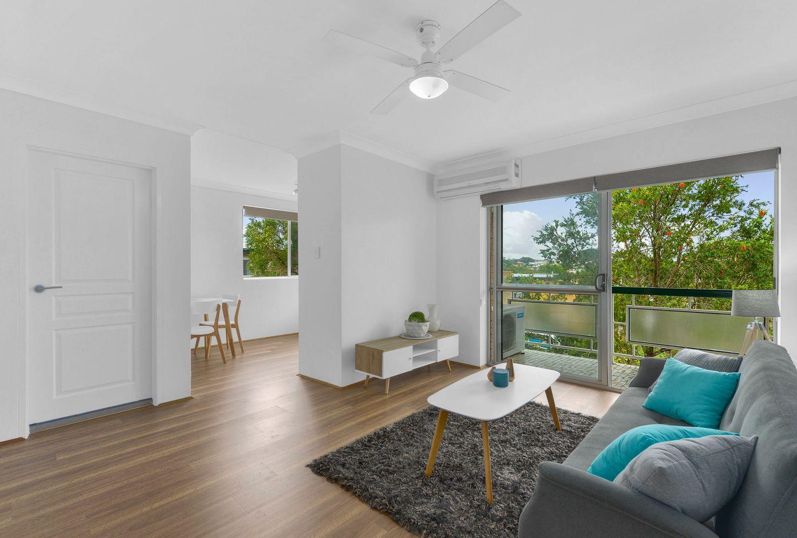8/76 Kitchener Street, Coorparoo QLD 4151, Image 2