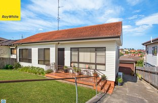 Picture of 61 Weringa Avenue, Lake Heights NSW 2502