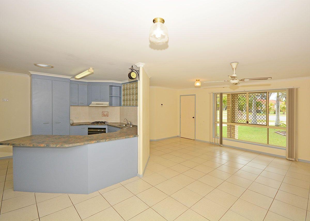 4 Fiona Court, Urangan QLD 4655, Image 2