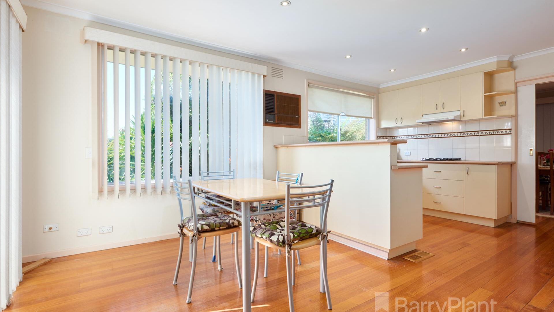 5 Lyndale Court, Dandenong North VIC 3175, Image 2
