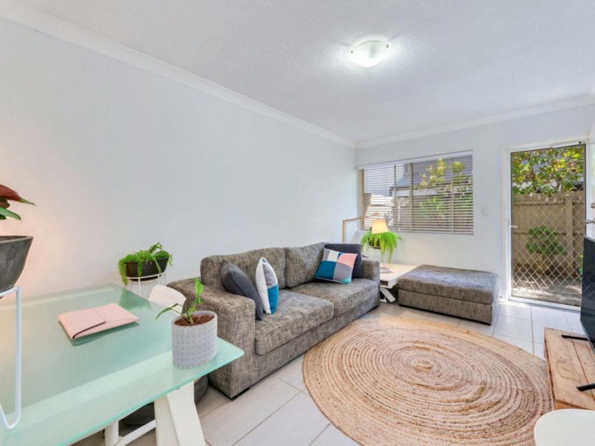 2/33 Victoria Terrace, Gordon Park QLD 4031, Image 0