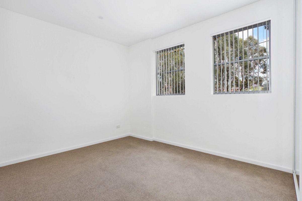 306/11-13 Junia Avenue, Toongabbie NSW 2146, Image 2