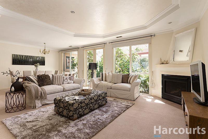 15 Herriotts Boulevard, Glen Waverley VIC 3150, Image 1