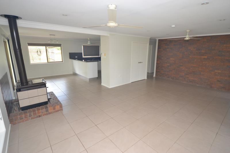 24 Baileys Lane, Biloela QLD 4715, Image 2