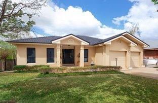 8 Headley Place, Kooringal NSW 2650