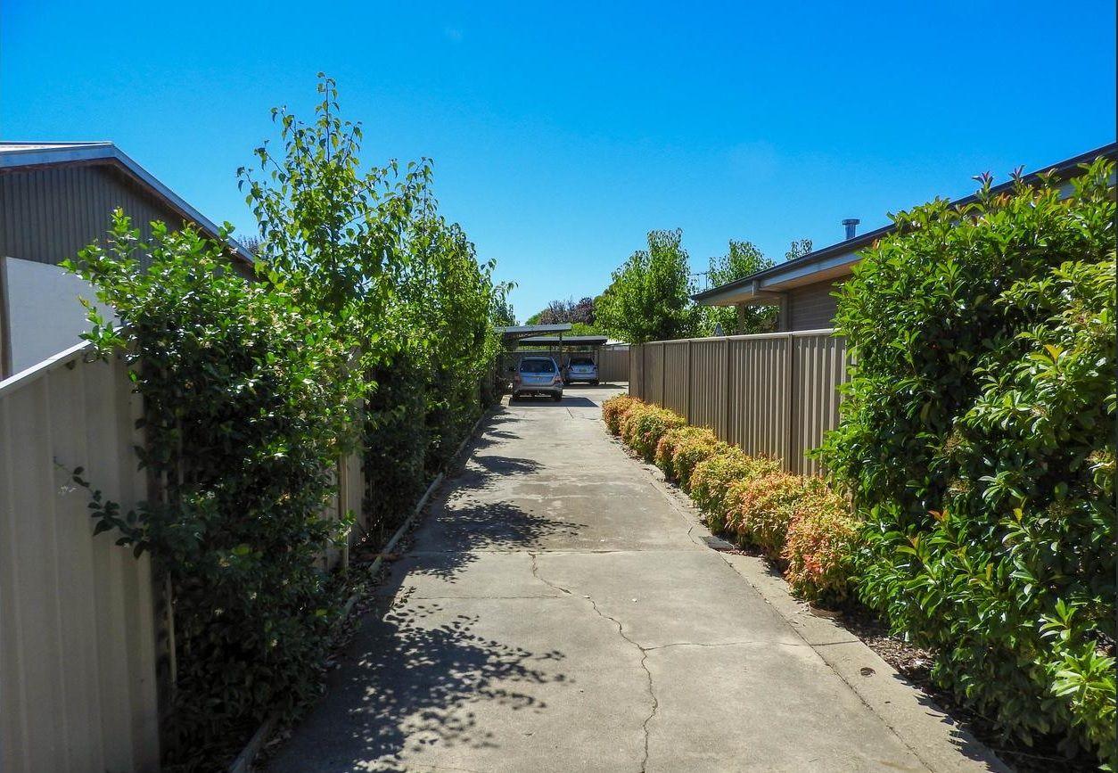 2-4/462 Parnall Street, Lavington NSW 2641, Image 2
