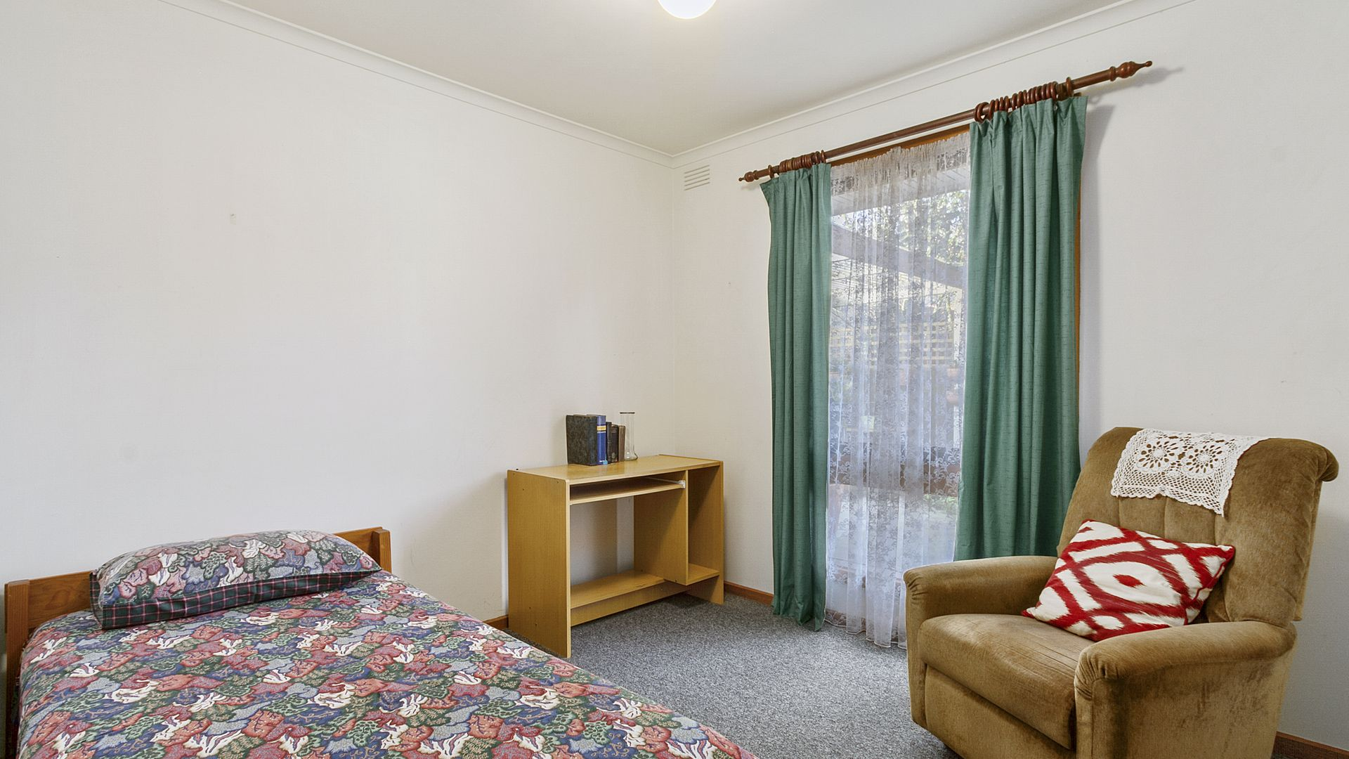 71 Dell Circuit, Morwell VIC 3840, Image 2