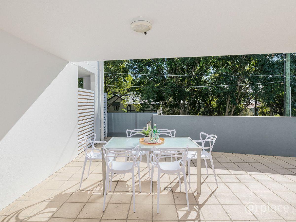 2/7 Ashgrove Avenue, Ashgrove QLD 4060, Image 1