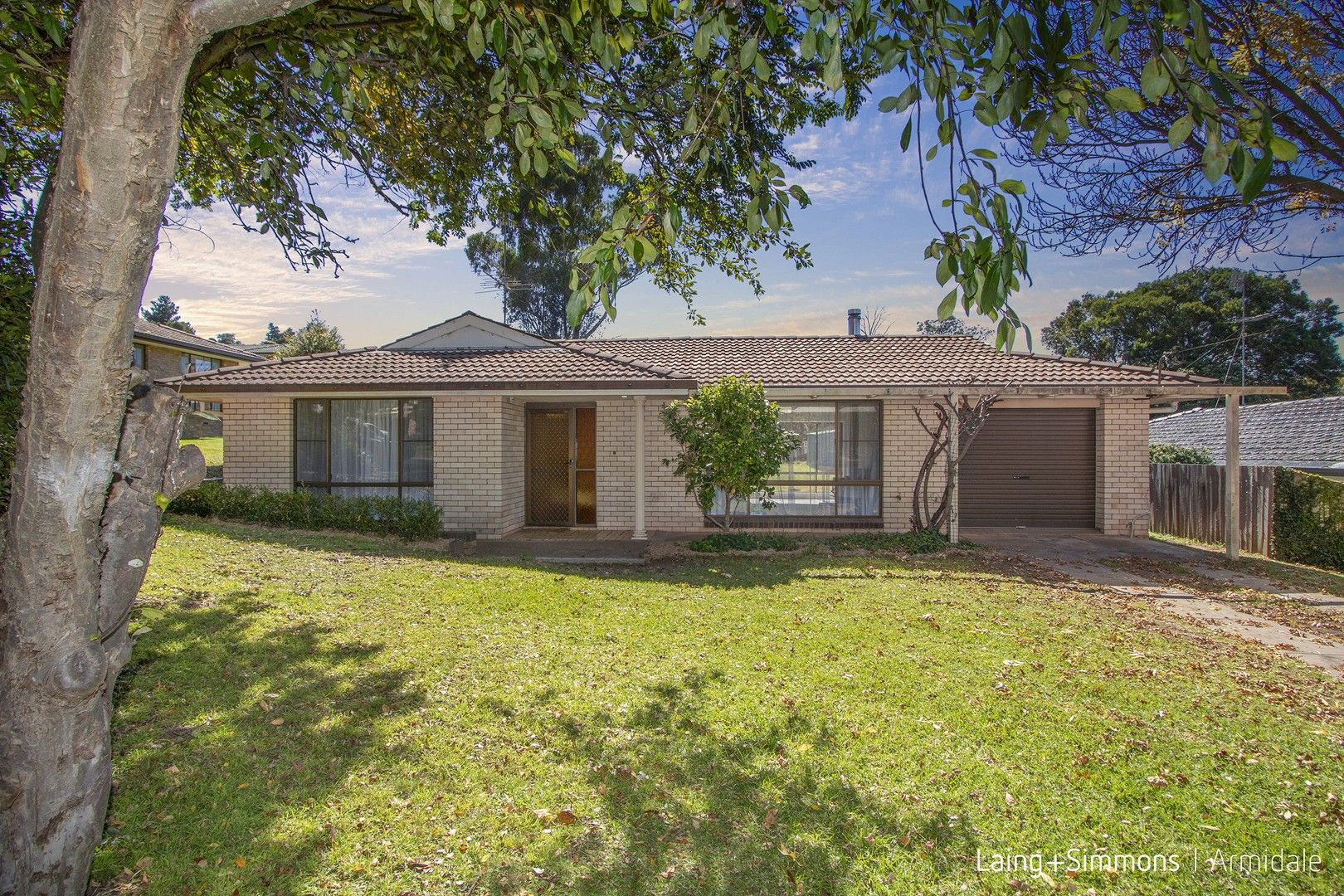 7 Simpson  Avenue, Armidale NSW 2350, Image 0