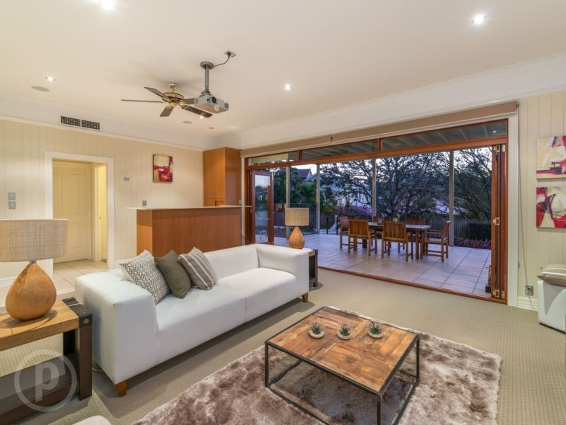 12 Susan Street, Red Hill QLD 4059, Image 2