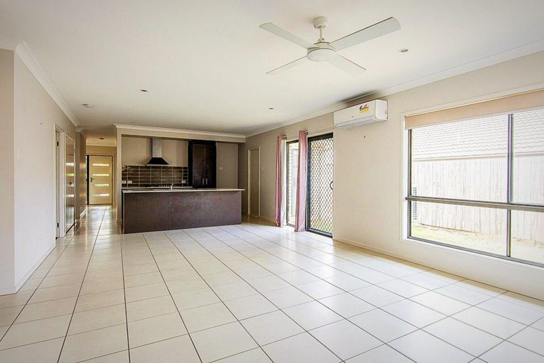 20 Lomandra Street, Deebing Heights QLD 4306, Image 2
