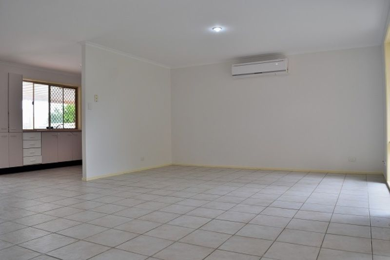 81 Middle Rd, Hillcrest QLD 4118, Image 1