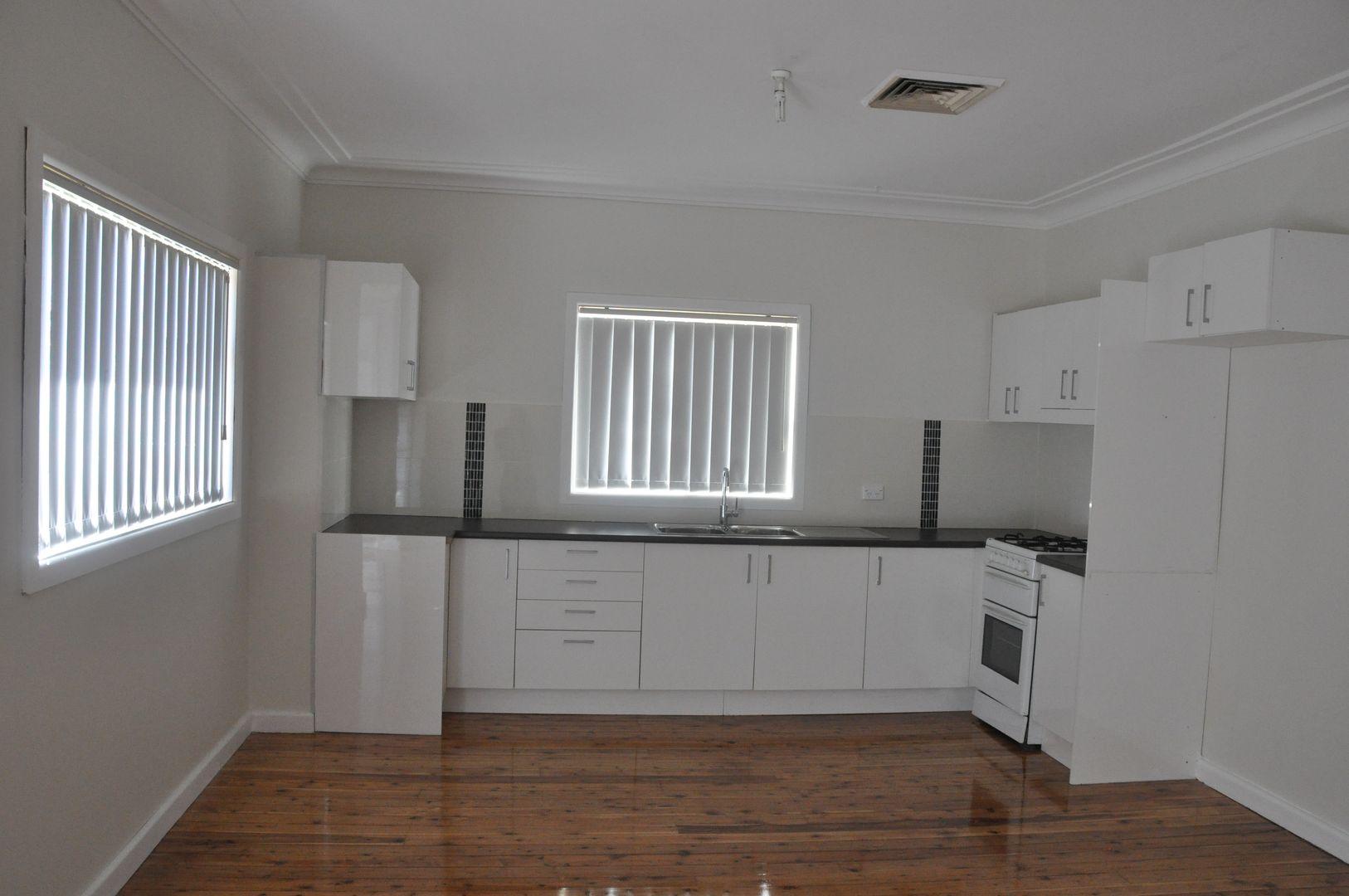 8 Leonards Street, Colyton NSW 2760, Image 2