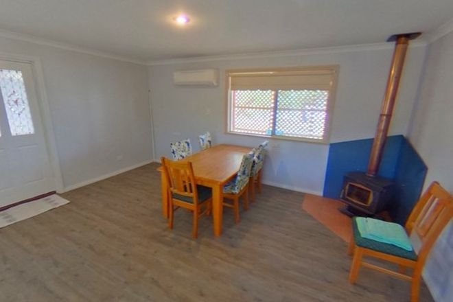 Picture of 52 Brooking Street, BEVERLEY WA 6304