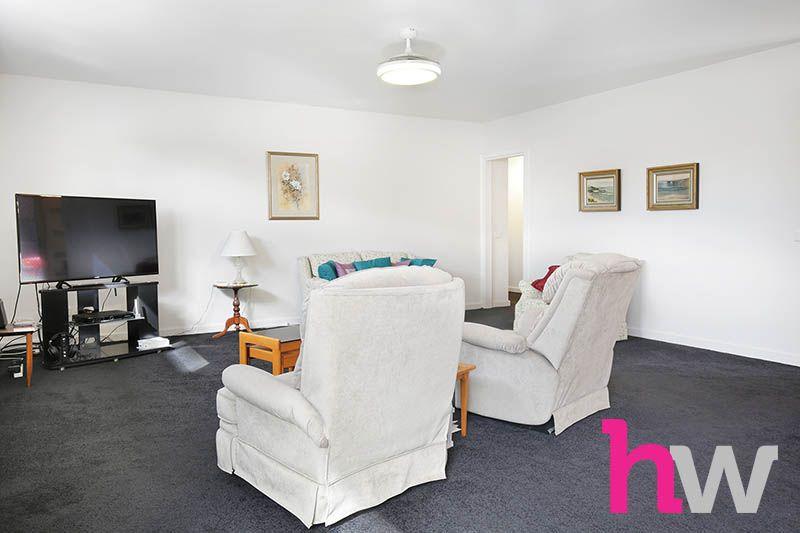 4/13-15 Carruthers Court, Thomson VIC 3219, Image 2