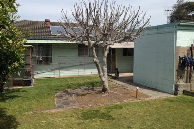 Picture of 7 Griffiths Avenue, FLORAVILLE NSW 2280