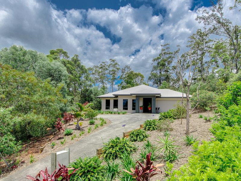 13 Friarbird Crescent, Bonogin QLD 4213, Image 2