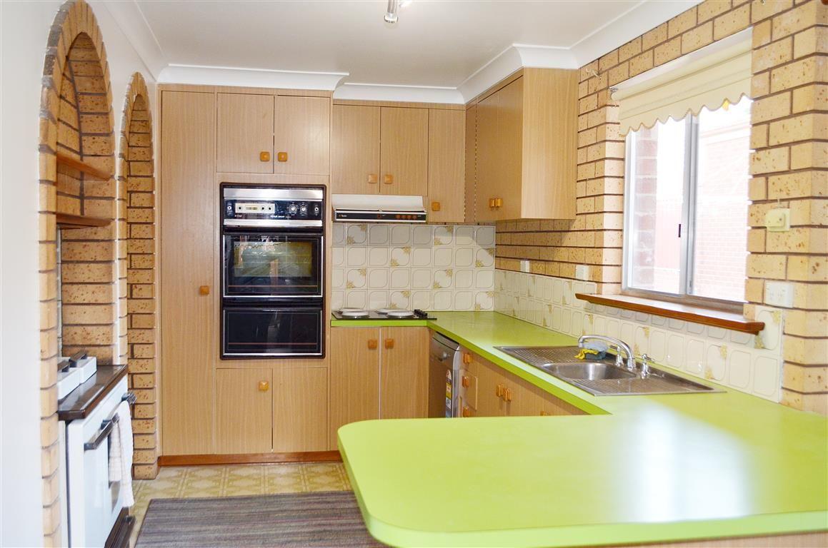 75 Simpson Street, Tumut NSW 2720, Image 2