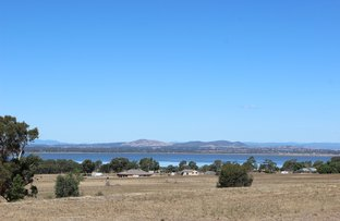 Picture of 39 Lakeside Drive, Chesney Vale VIC 3725