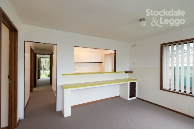 9 Coolaroo Place, Churchill VIC 3842, Image 2