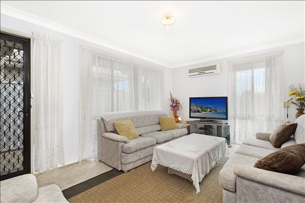 7 FOXWOOD AVENUE, Quakers Hill NSW 2763, Image 1