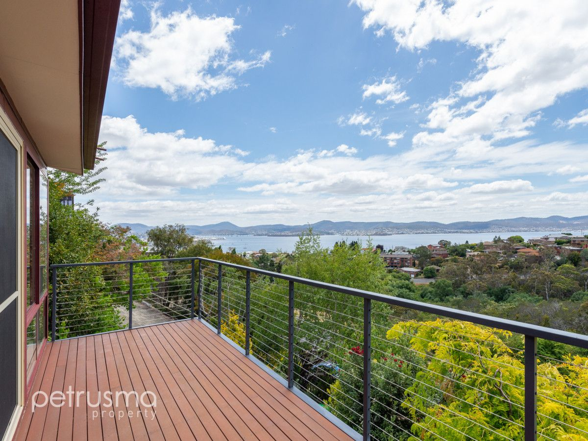 17 Edith Avenue, Sandy Bay TAS 7005, Image 1