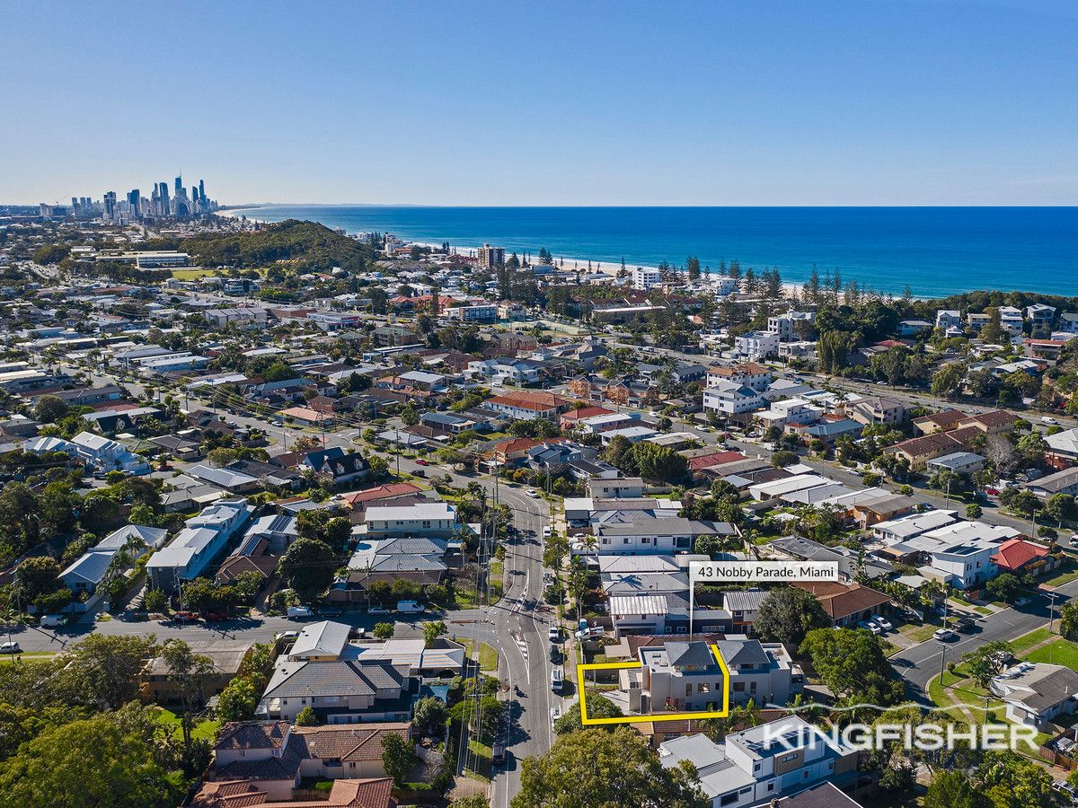 38 Evandale Crescent, Miami QLD 4220, Image 2