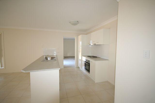 28 Ward Crescent, Biloela QLD 4715, Image 2