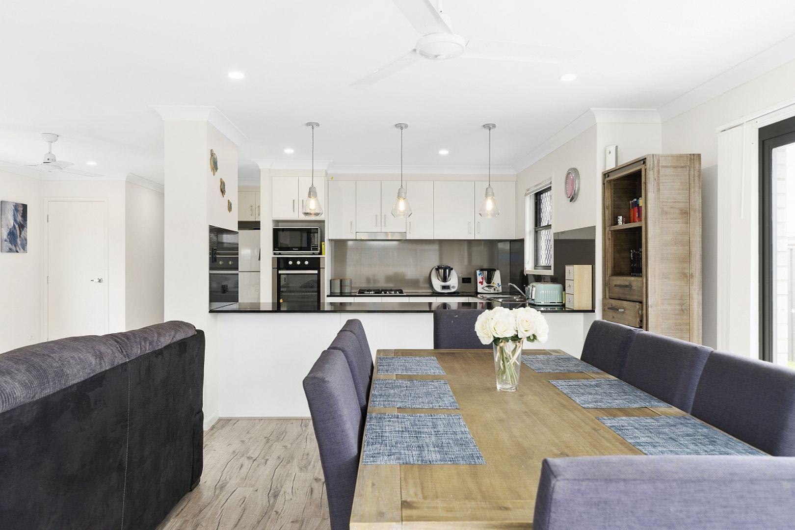4 Gatina Crescent, Coomera QLD 4209, Image 2