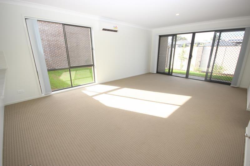 2 Skylark Avenue, Thornton NSW 2322, Image 2