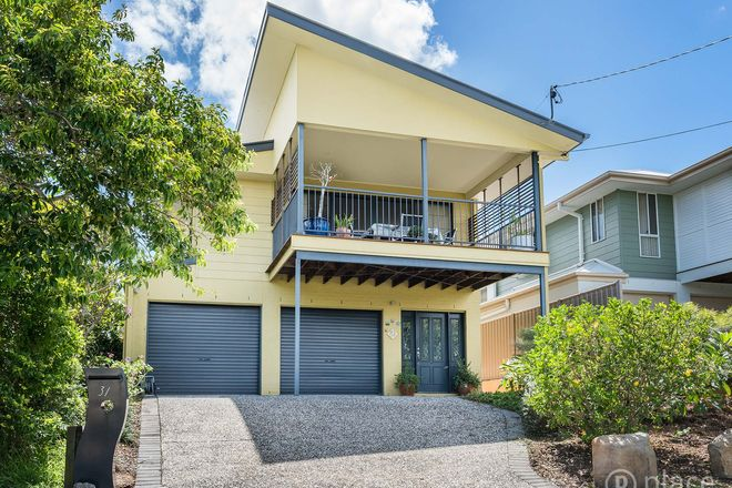 Picture of 31 Carbethon Street, MANLY QLD 4179