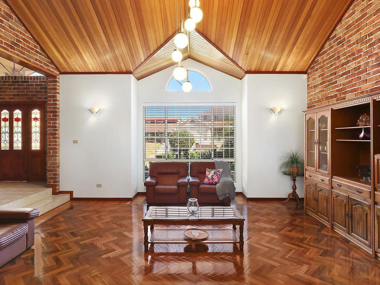 15 Lanceley Place, Abbotsbury NSW 2176, Image 2