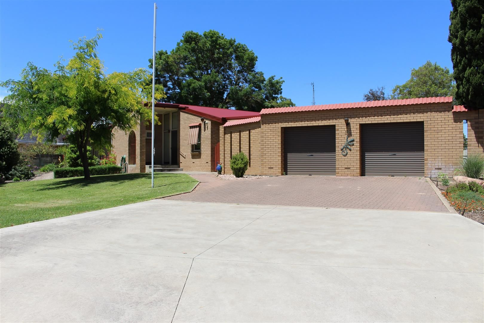 12 Naracoorte Road, Bordertown SA 5268, Image 0