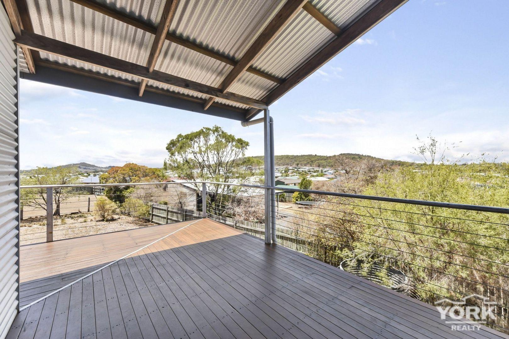7 Amy Court, Westbrook QLD 4350, Image 1