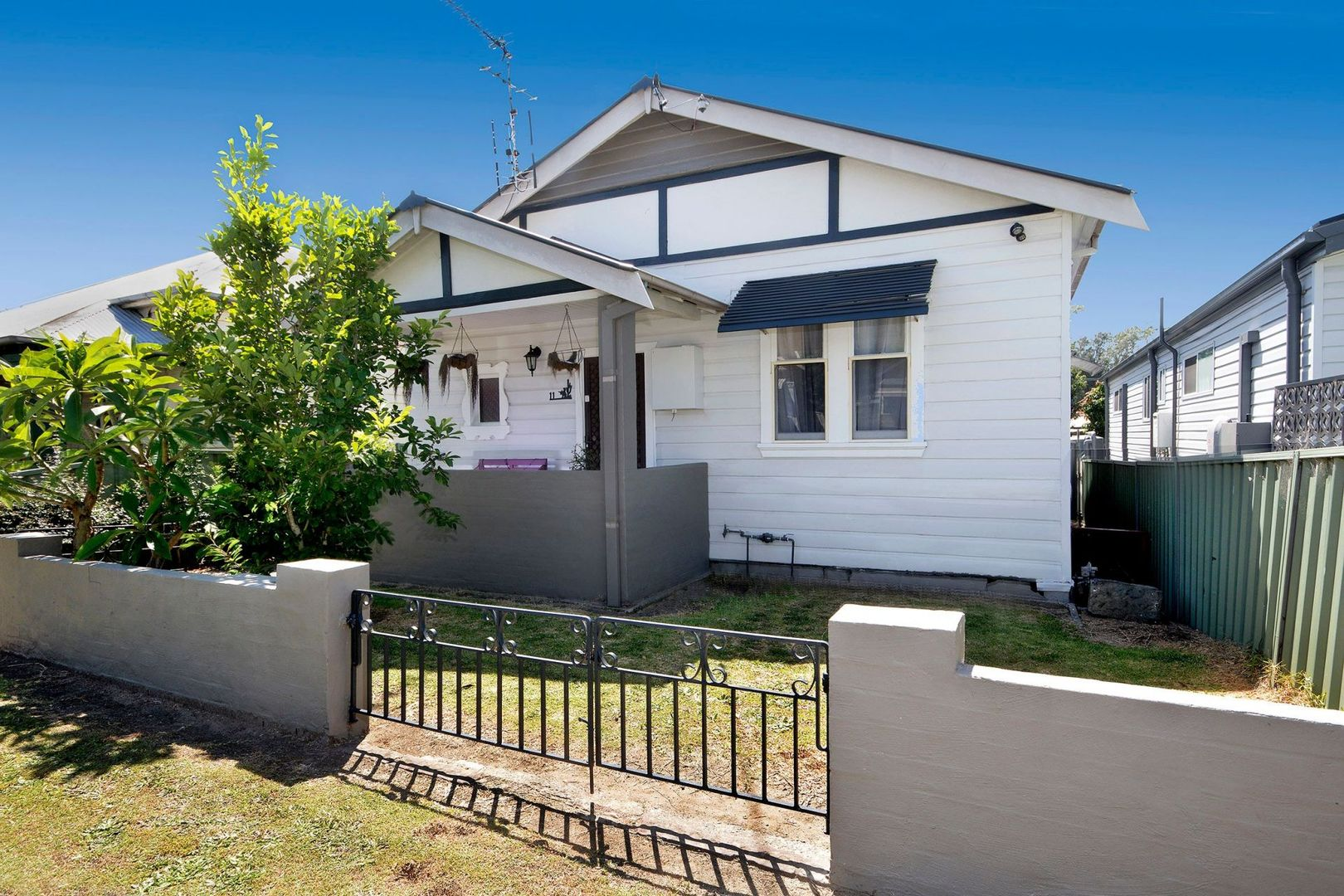 11 Clara Street, Mayfield East NSW 2304, Image 0