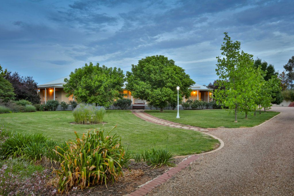 10 Grandview Way, Mildura VIC 3500, Image 2