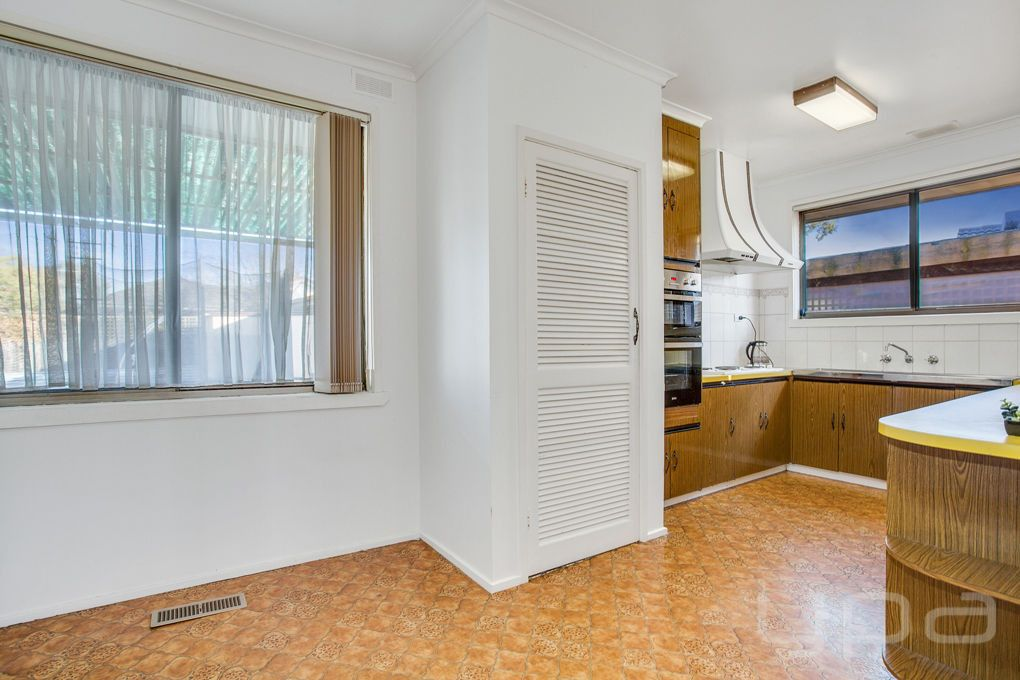 27 Marlborough Crescent, Hoppers Crossing VIC 3029, Image 2