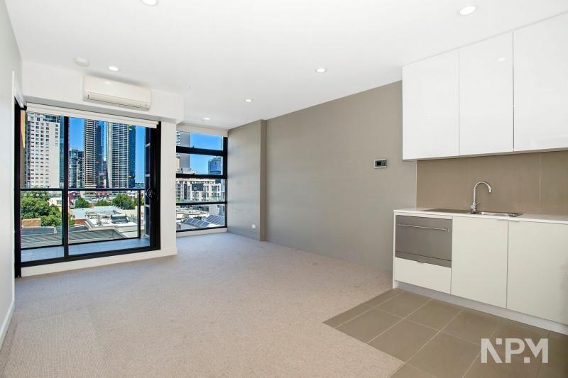506/33 Batman Street, West Melbourne VIC 3003, Image 2