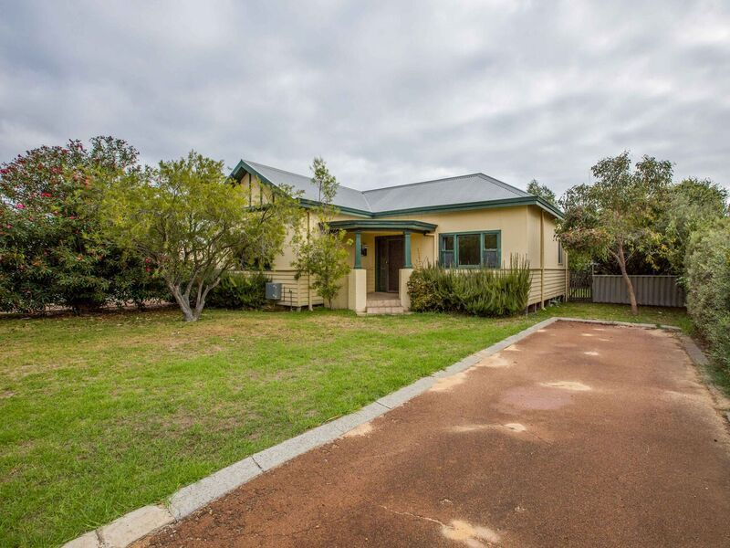 1/2 Gregory Street, South Bunbury WA 6230, Image 0