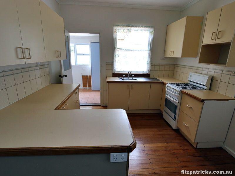 31 Castlereagh Avenue, Mount Austin NSW 2650, Image 1